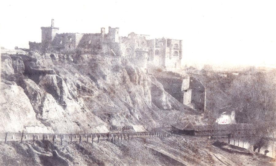 Castillo de Benavente. Charles Clifford 1854.
